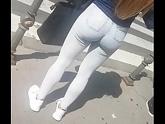 Amazing hot ass in public 1