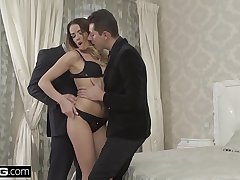 Euro Socialite Samantha Johnson gets a DP &amp_ cum facial